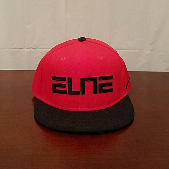 Nike True Elite Black Red Snapback Hat Cap. M 5aade72336b9de6fcd480f1d f8eb2b953a8